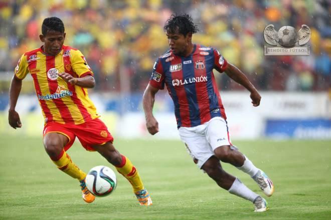 La presencia de Franklin Salas le ha hecho muy bien a Deportivo Quito. Foto: Julio Estrella / El Comercio