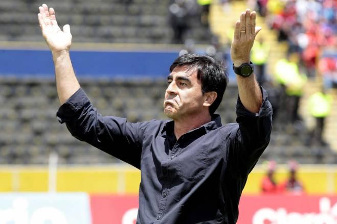 Gustavo Quinterps cuando dirigía al Emelec. Foto: Tomada de Bendito Fútbol.